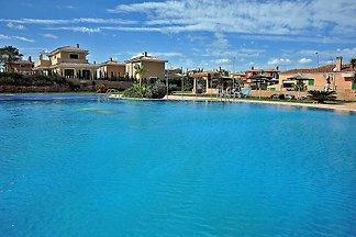 ID 2694 Grazioso appartamento con piscina