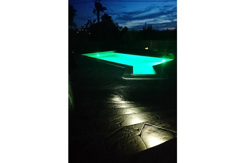 Pool mit LED Technik
