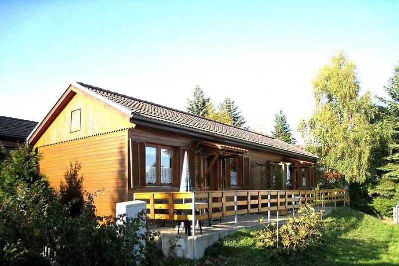 Klassik Ferienhaus mit wunder schönen Blick auf Wiesen und Waldrand