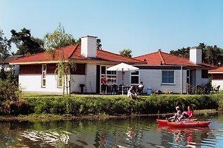 casa de lujo en el lago
