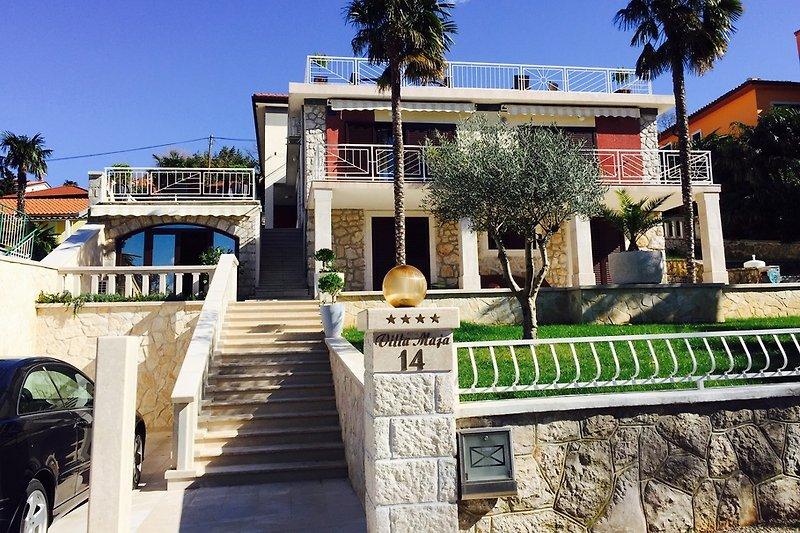 Ferienwohnungen -Villa maja
