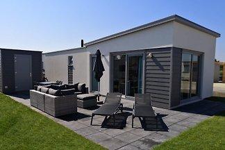 Nowy dom wakacyjny w pobliżu plaży Zeeland