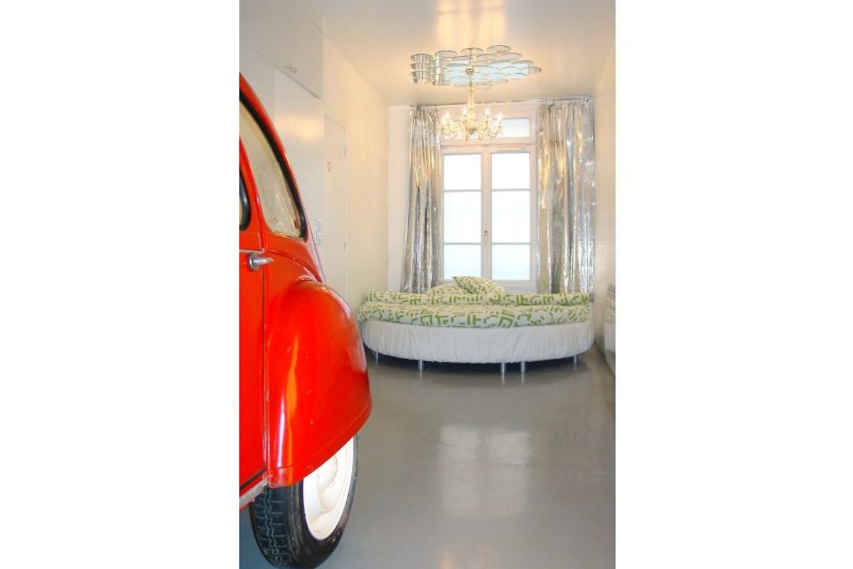 ausgefallenes loft ferienwohnung in paris mieten. Black Bedroom Furniture Sets. Home Design Ideas