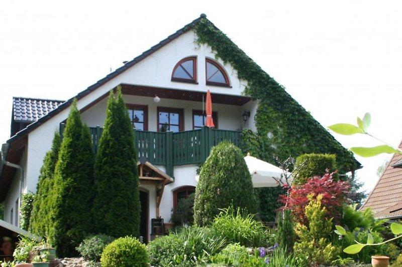 Forsthaus Fichtenau Gartenansicht