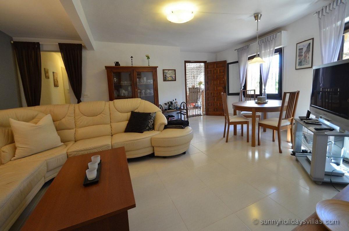 Sommerküche Englisch : Villa miramonte sommerküche pool ferienhaus in querciolo mieten