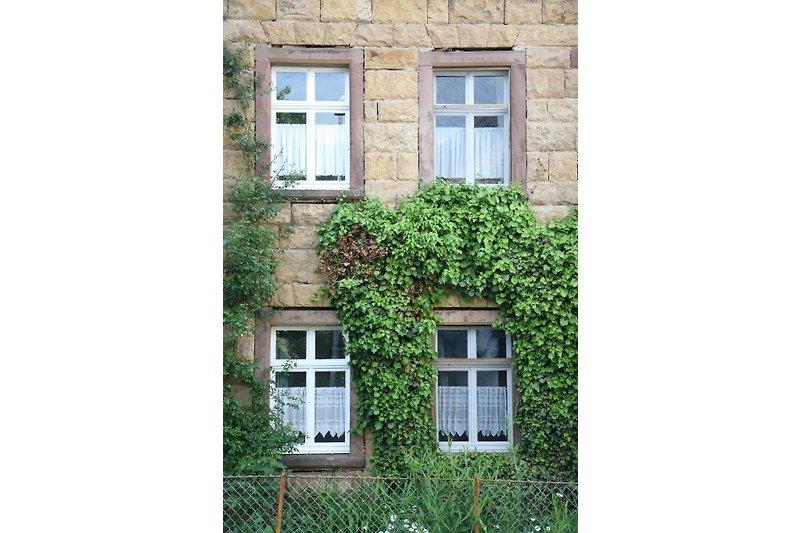 Denkmalgeschütztes Bruchsteinhaus