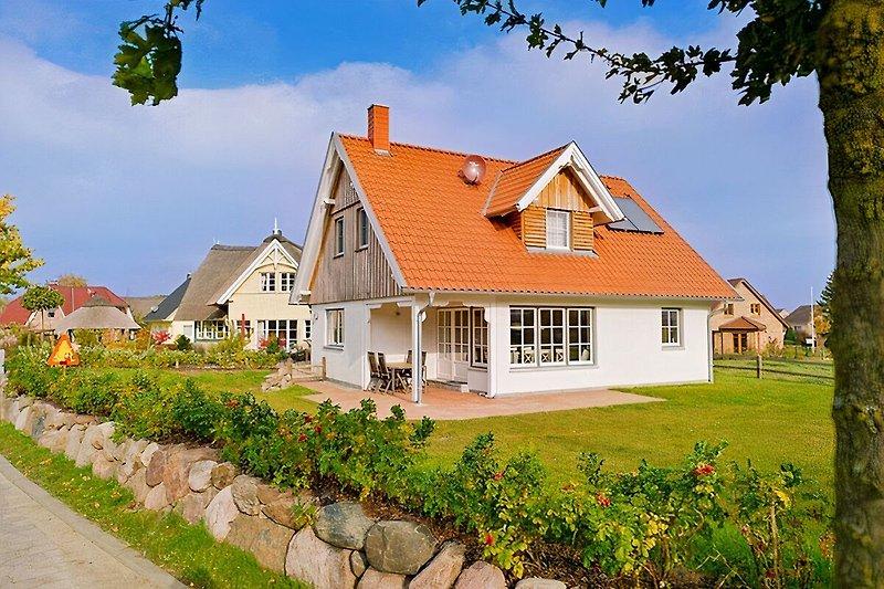 Ferienhaus Ruhe-Insel mit eingefriedetem Garten zum Spielen und Erholen