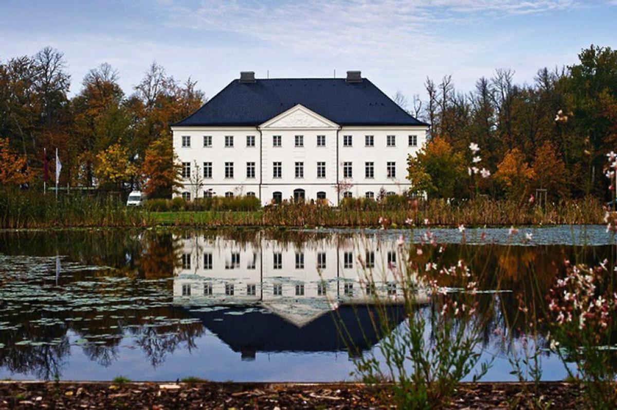 ferienhaus ruhe insel ferienhaus in gro schwansee mieten. Black Bedroom Furniture Sets. Home Design Ideas