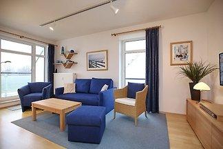 Die Ferienwohnung 48 in der Ferienanlage Haffblick ist eine schöne 2-Zimmer-Wohnung für bis zu 2 Personen. Die Ferienwohnung liegt im 2. OG und hat einen Balkon.