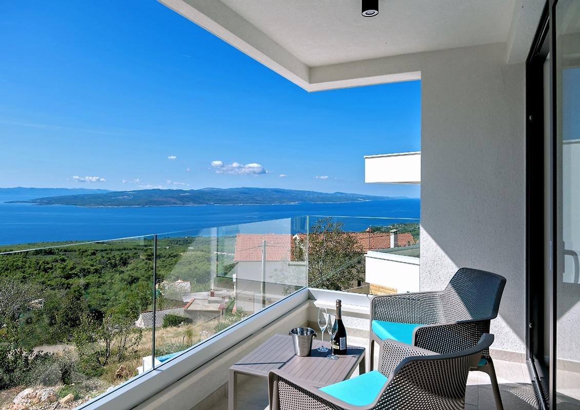 Nieuwe elegante villa met zwembad vakantiehuis in ba ka voda huren - Strand zwembad natuursteen ...