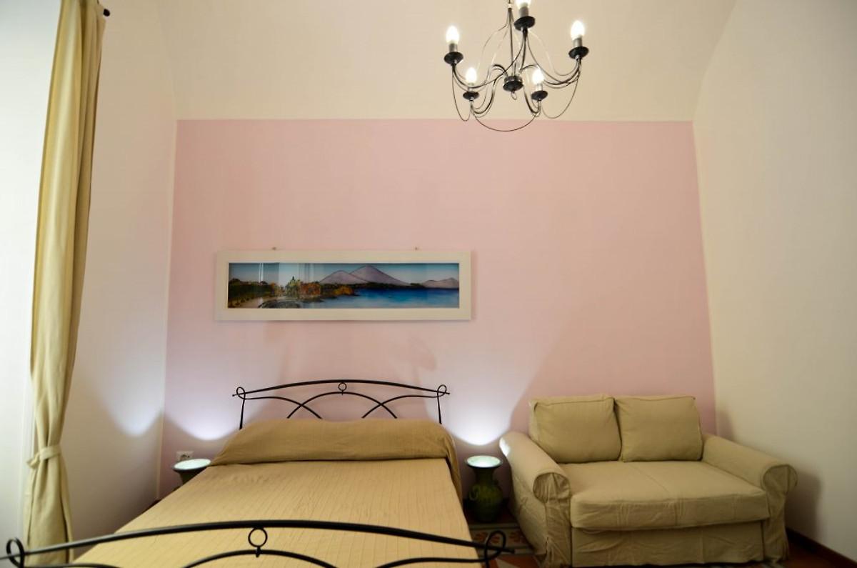 leucosya wohnung plebiscito ferienhaus in neapel mieten. Black Bedroom Furniture Sets. Home Design Ideas