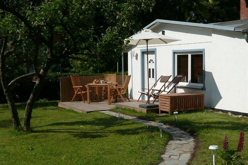 Garten mit Terrasse