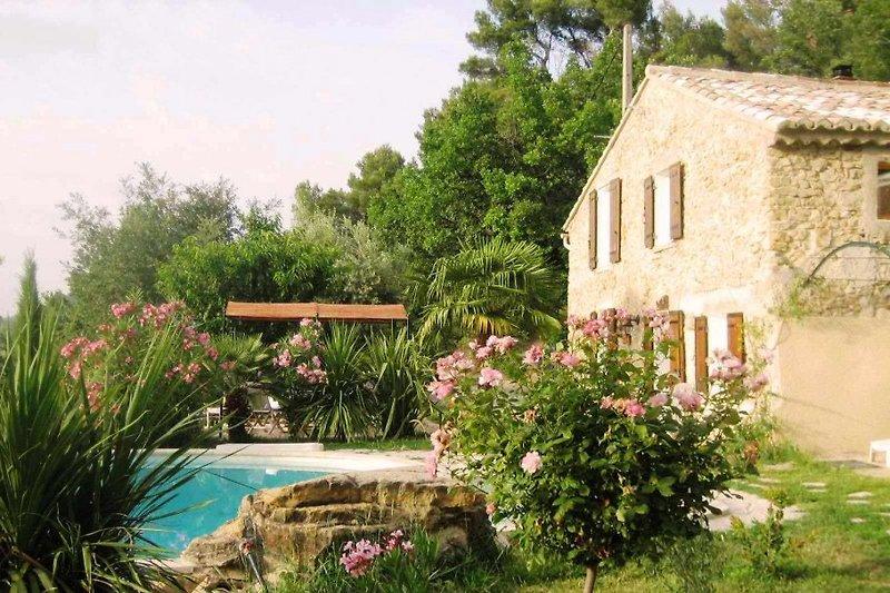 Ermitage mit Pool