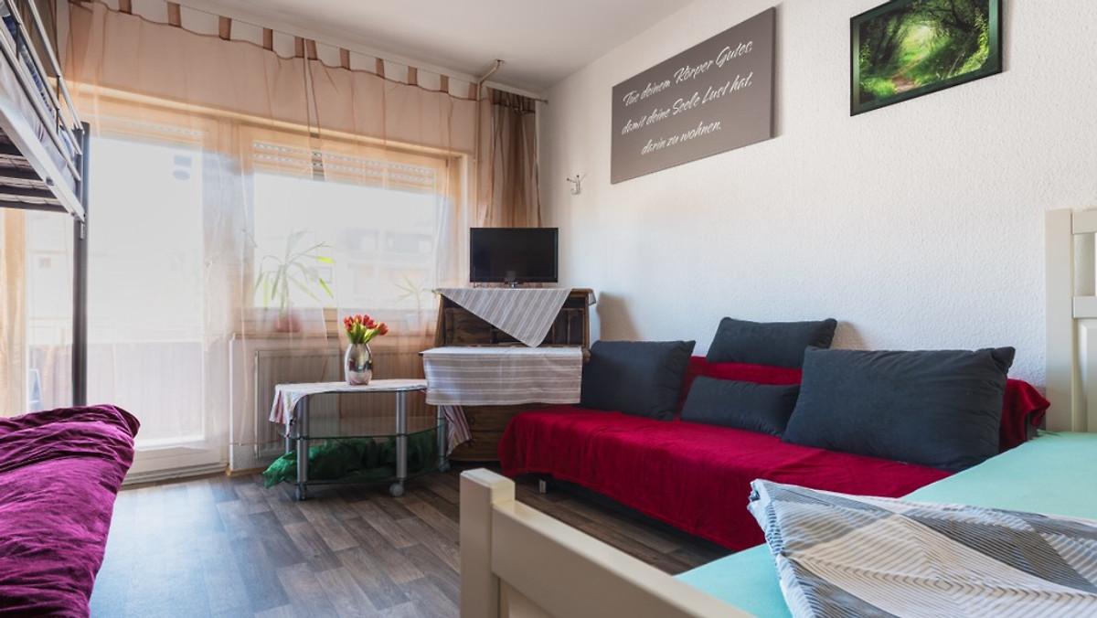 ferienwohnung schwetzingen in schwetzingen firma ferienwohnung schwetzingen frau gorniak. Black Bedroom Furniture Sets. Home Design Ideas