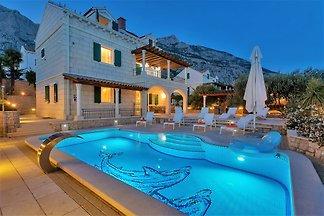 Villa Petra, **Firstminute 2019**
