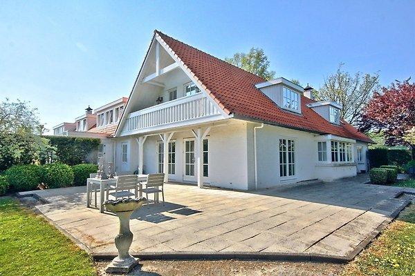 villa in der n he von amsterdam und strand ferienhaus in haarlem mieten. Black Bedroom Furniture Sets. Home Design Ideas