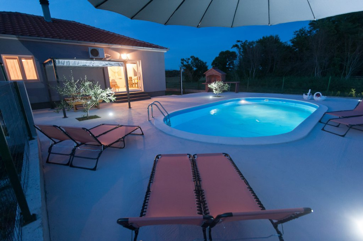 Villa Near Zadar With Swimming Pool Holiday Home In Murvica