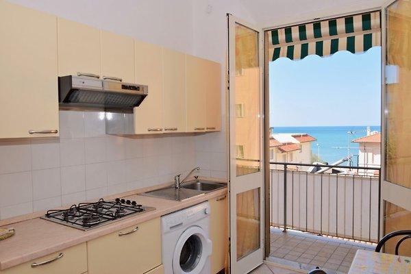 Lola mare appartamento in san vincenzo affittare - Bagno delfino san vincenzo ...