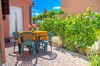Ferienhaus TINA mit Garten