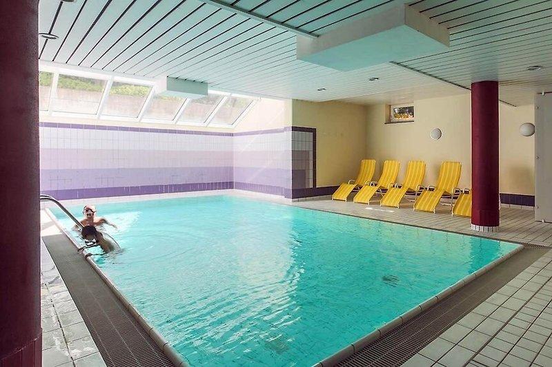 A Cappella Schwimmbad 8x4 m - Wasser ca. 26-29 Grad - Gegenstromanlage - Sauna auf gleicher Ebene