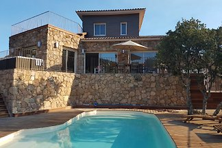 Palombaggia - Superb villa 3 bedrooms, private heated pool with fence, air conditioning, private garden, jacuzzi - Very quiet, 5 minutes drive from the beach.