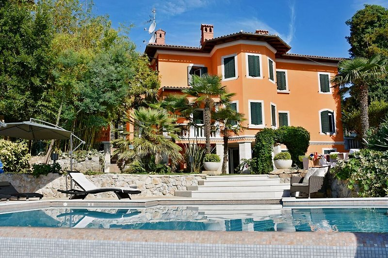 Villa Contessa mit Pool