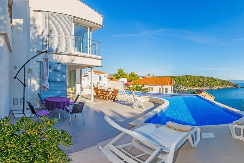Villa Asya with sea view