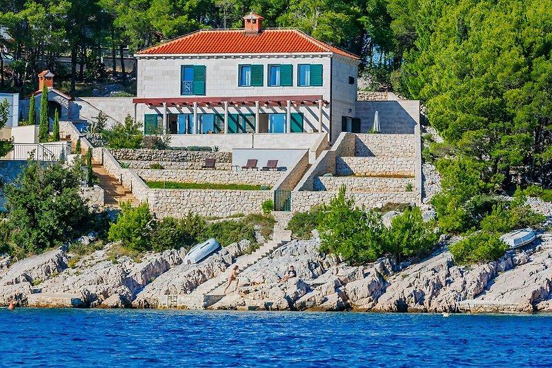 Villa Marble House in Milna - immagine 2