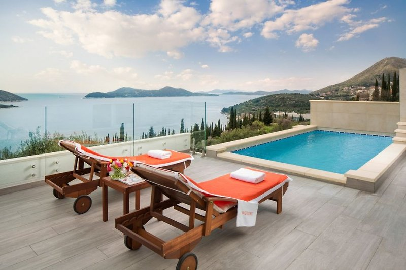 Pool terrace with view towards Kolocep island