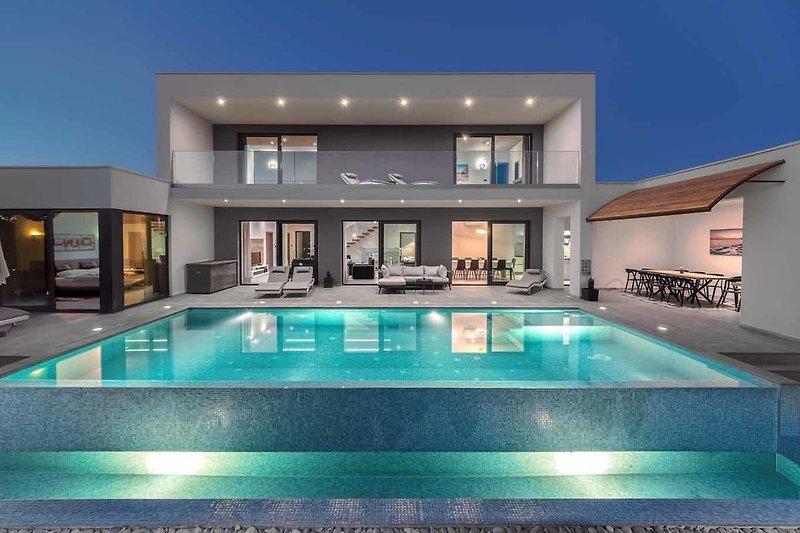 Villa Maxy und Pool