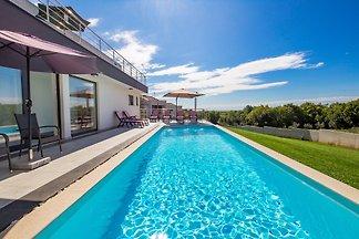 Villa Ellenor