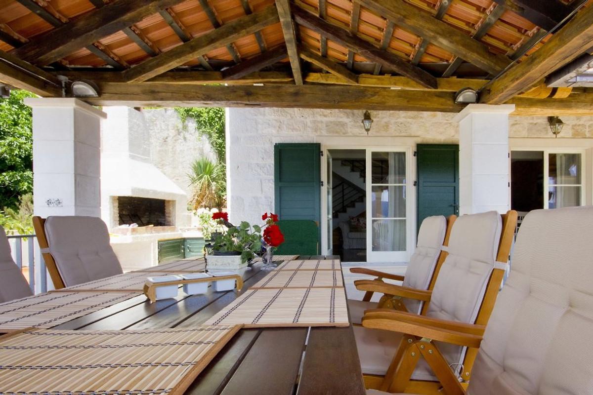 villa annie ferienhaus in orebic mieten. Black Bedroom Furniture Sets. Home Design Ideas