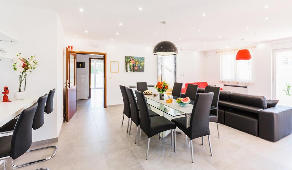 villa rondino ferienhaus in pula mieten. Black Bedroom Furniture Sets. Home Design Ideas