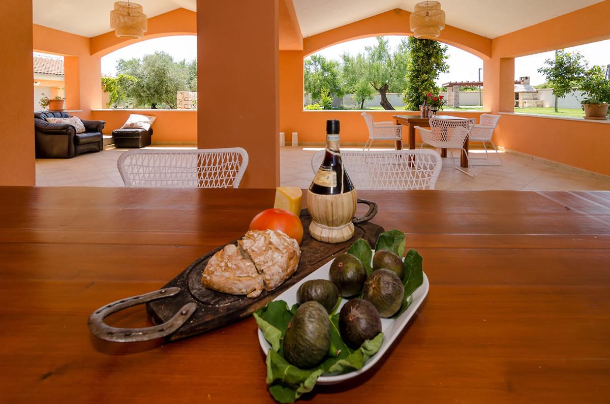 Villa acquario casa vacanze in prkos affittare for Acquario casa prezzi
