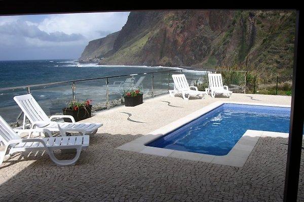 Pool shared by villa Oceana