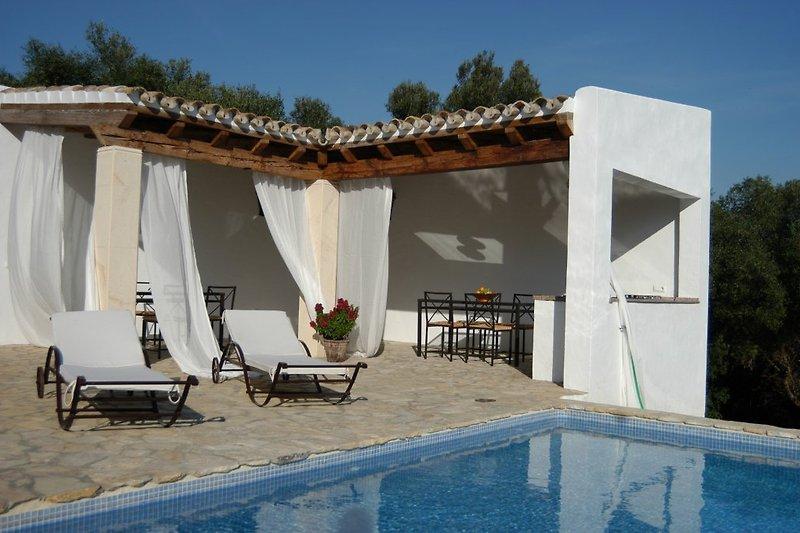 Sommerküche und Pool