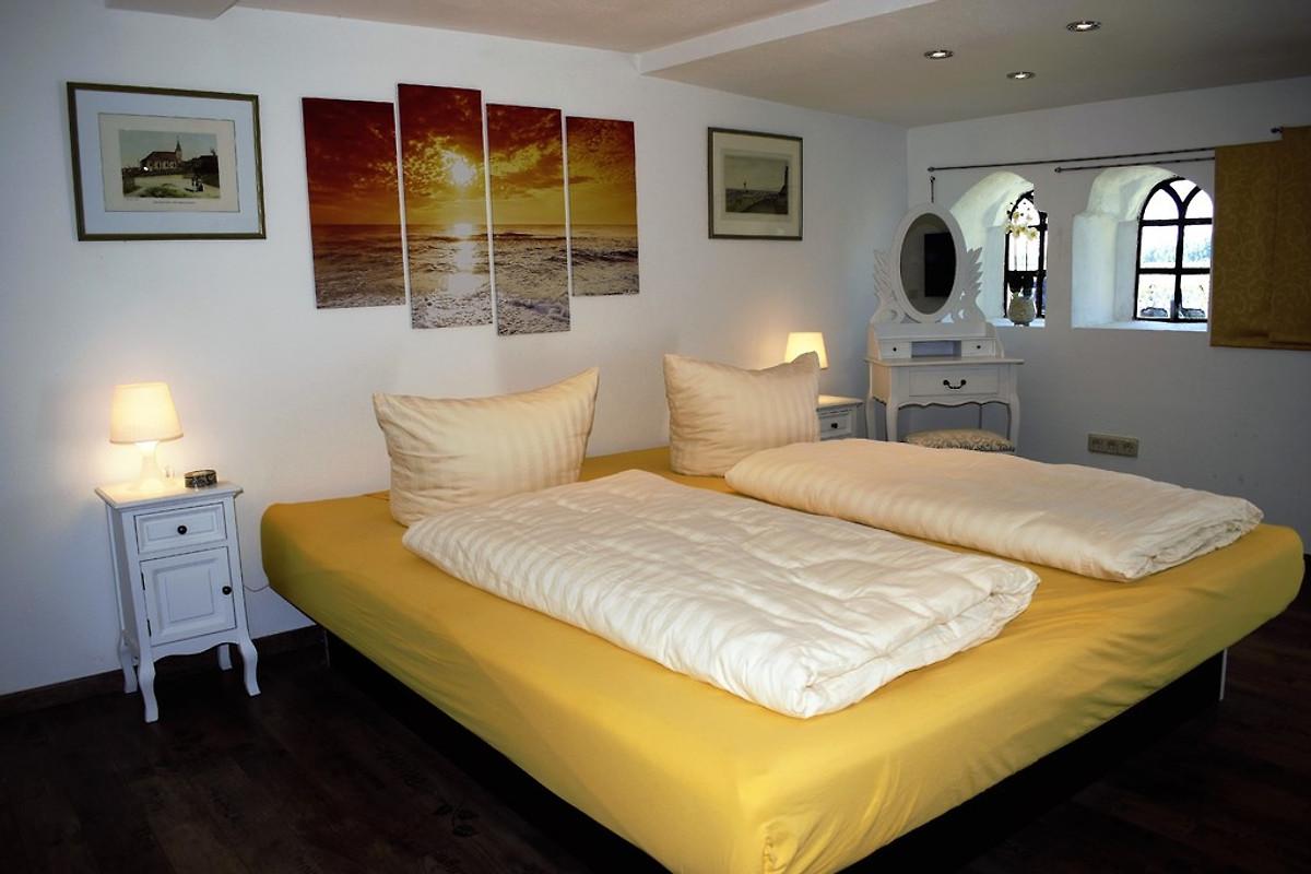 junimond im ehem rio reiser haus ferienwohnung in stadum mieten. Black Bedroom Furniture Sets. Home Design Ideas