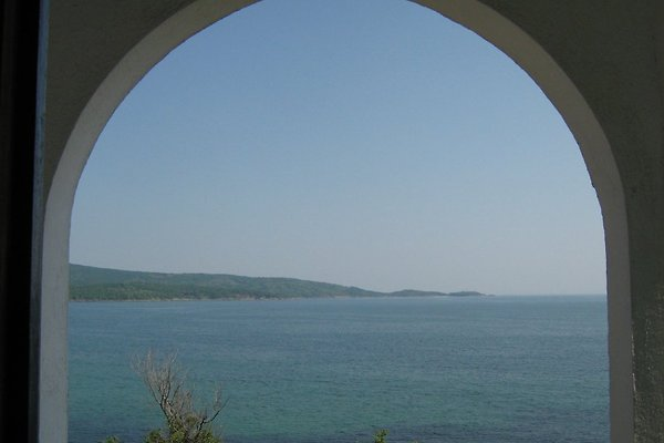 House by the sea in Primorsko - picture 1