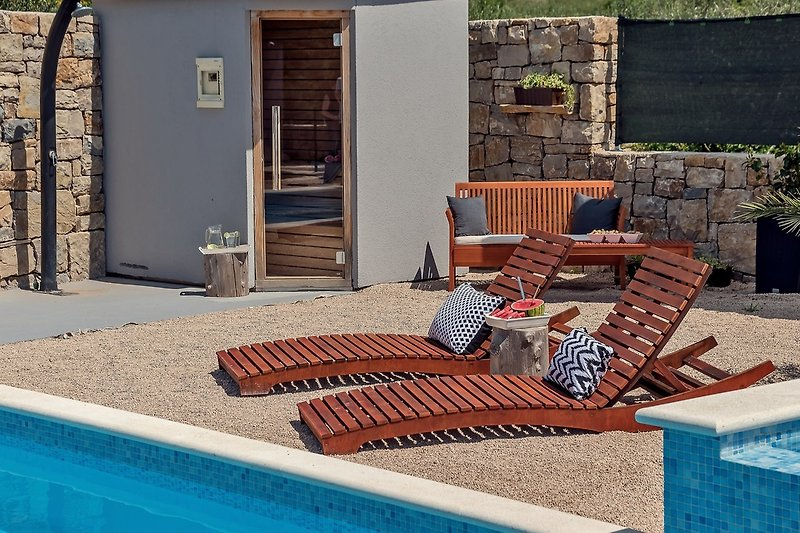 sauna pored bazena