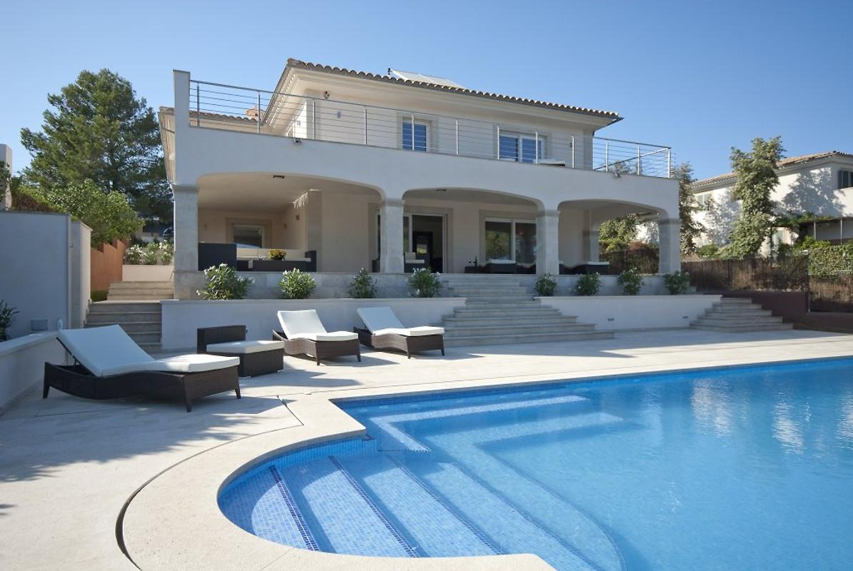 traumhaus am meer und strand ferienhaus in cala mandia mieten. Black Bedroom Furniture Sets. Home Design Ideas