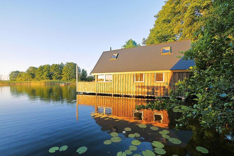 Bootshaus auf dem See Tiefer Ziest