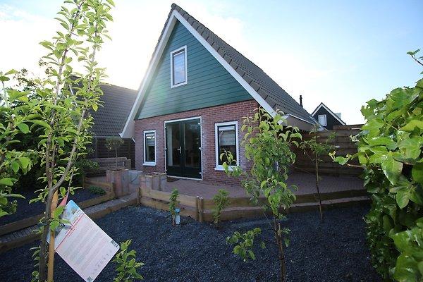 klein giethoorn bungalow 12 09 ferienhaus in opperdoes mieten. Black Bedroom Furniture Sets. Home Design Ideas
