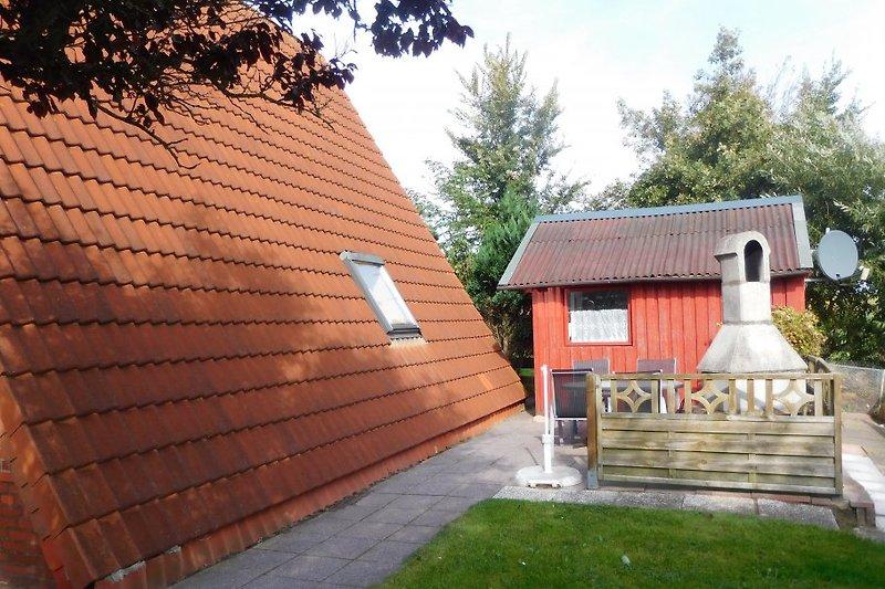 Terrasse / Gerätehause