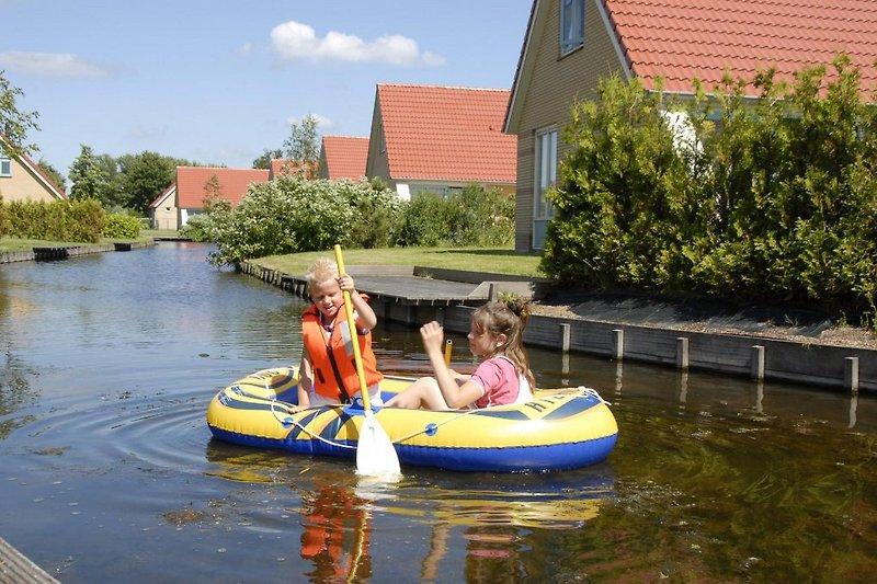 Spaß am Wasser auf Villavakantiepark Ijsselhof