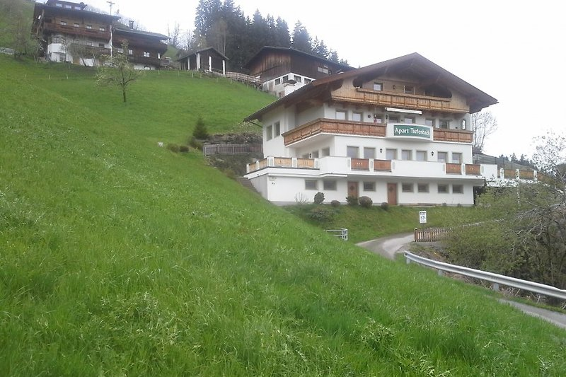 Apart Tiefenbach im Sommer