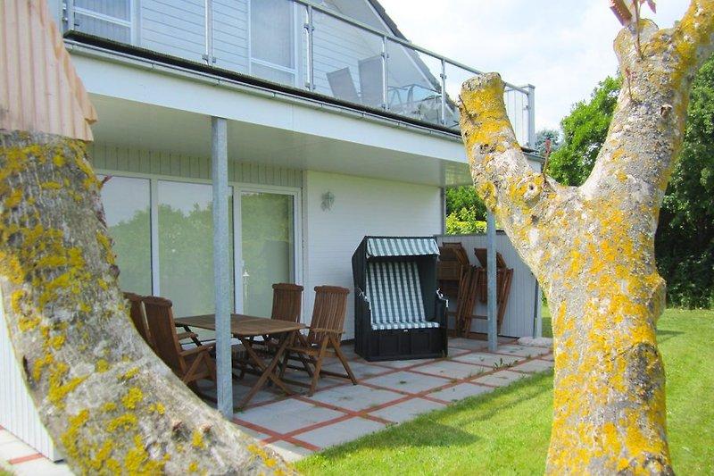 Haus Saga, ein Blick auf die große Terrasse