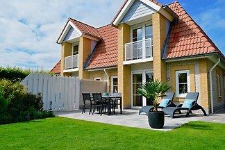Holiday Villa Zeeduin seafront