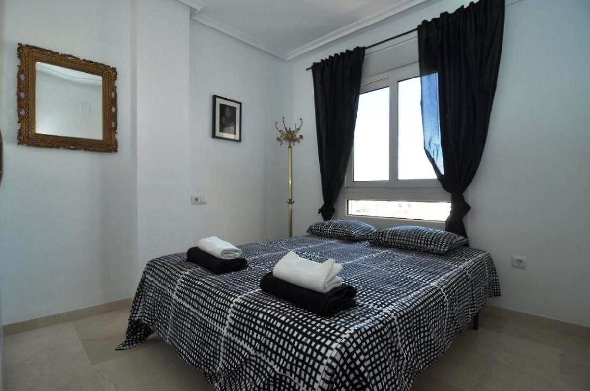 jumilla iii ferienwohnung in playa flamenca mieten. Black Bedroom Furniture Sets. Home Design Ideas