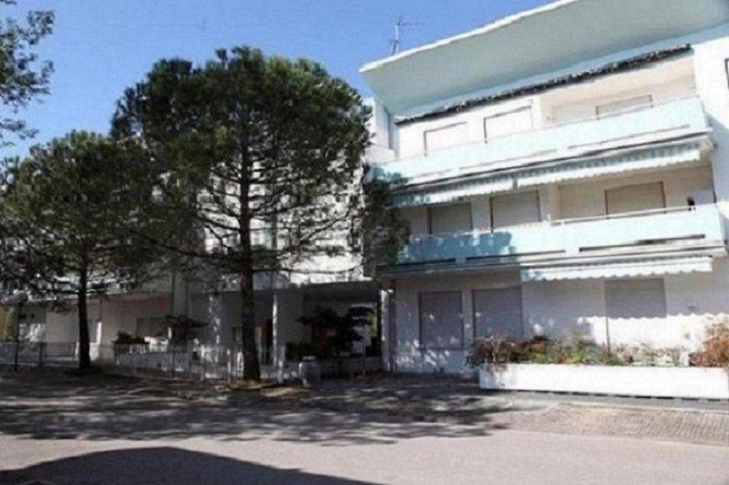 Condo caravelle 101 appartement bibione pineda louer for Caravelle piscine