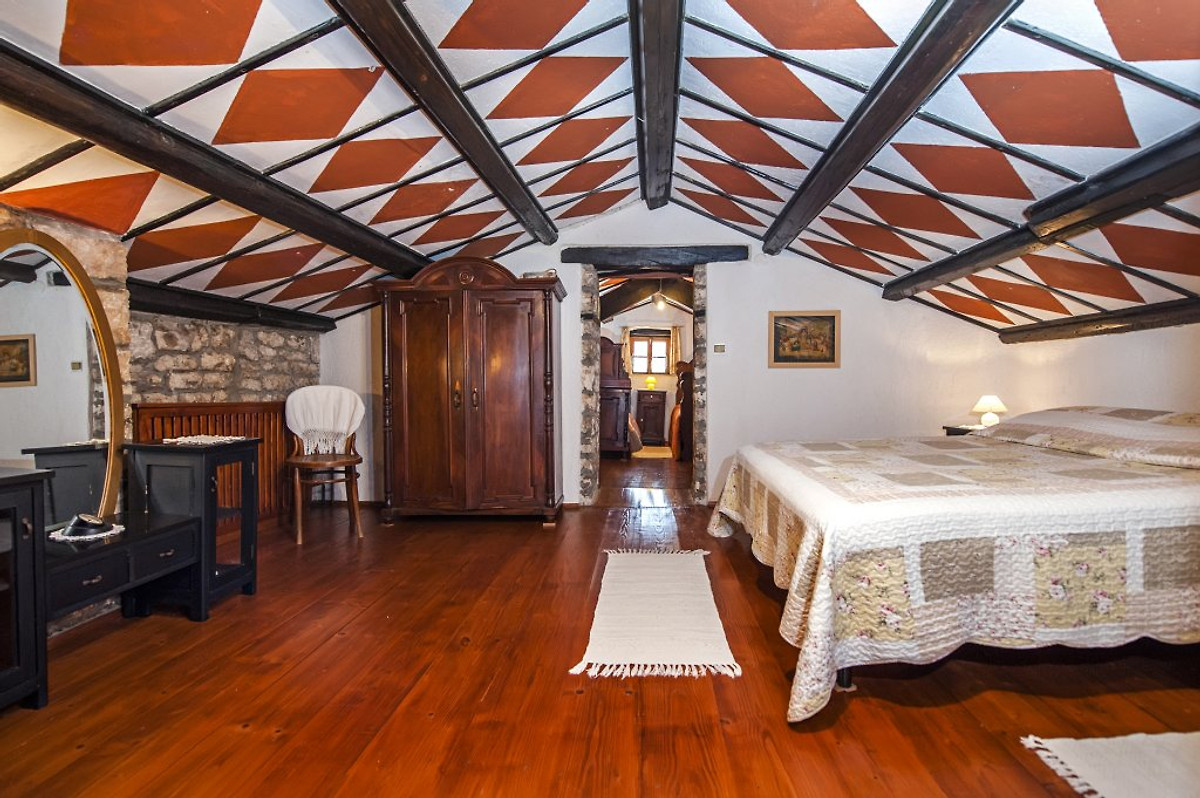 villa elio ferienhaus in minj mieten. Black Bedroom Furniture Sets. Home Design Ideas